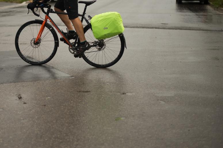 Bike commuting with fenders