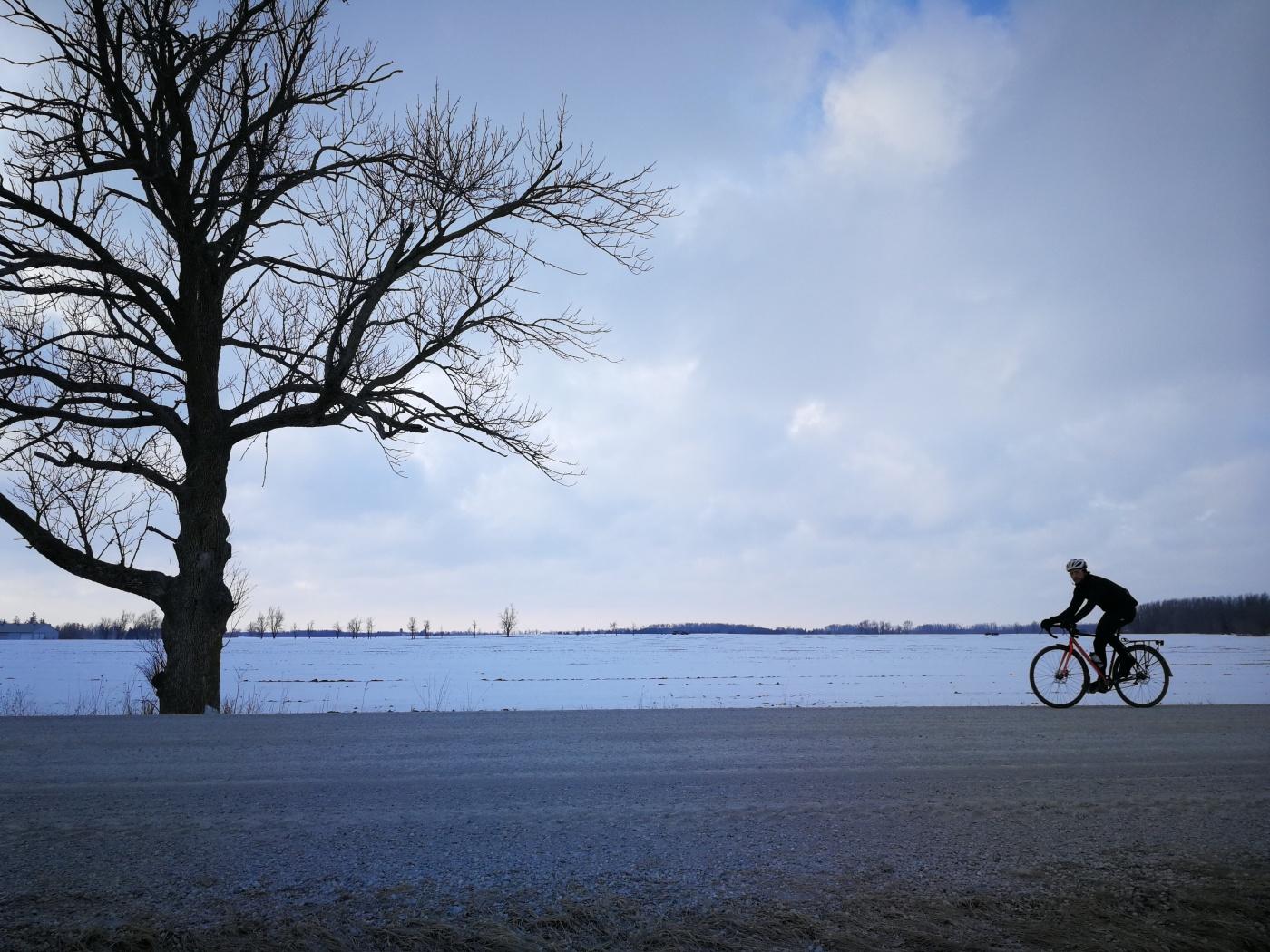 Two Wheel Gear - Bike commuter in winter