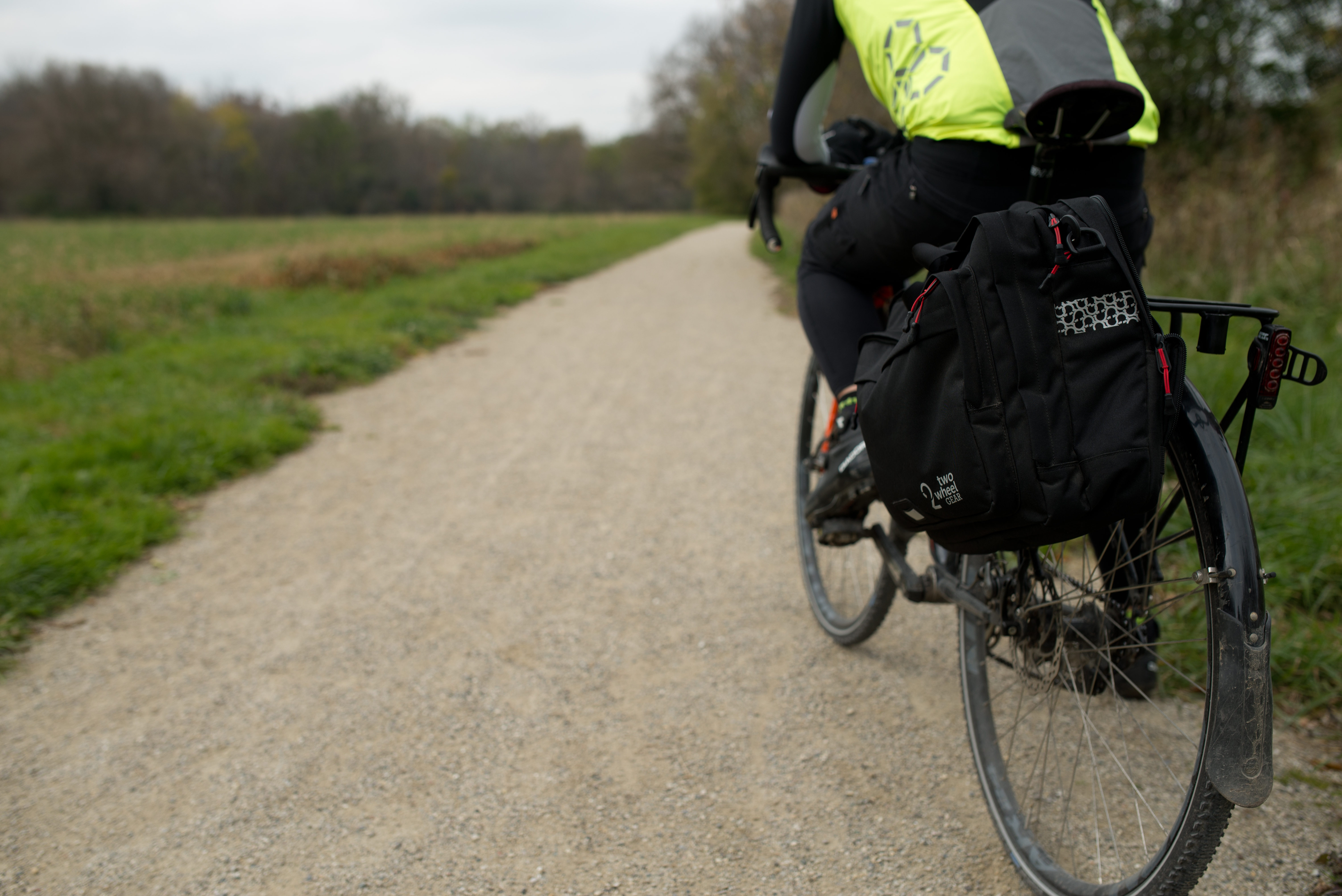 Bike commuter with pannier