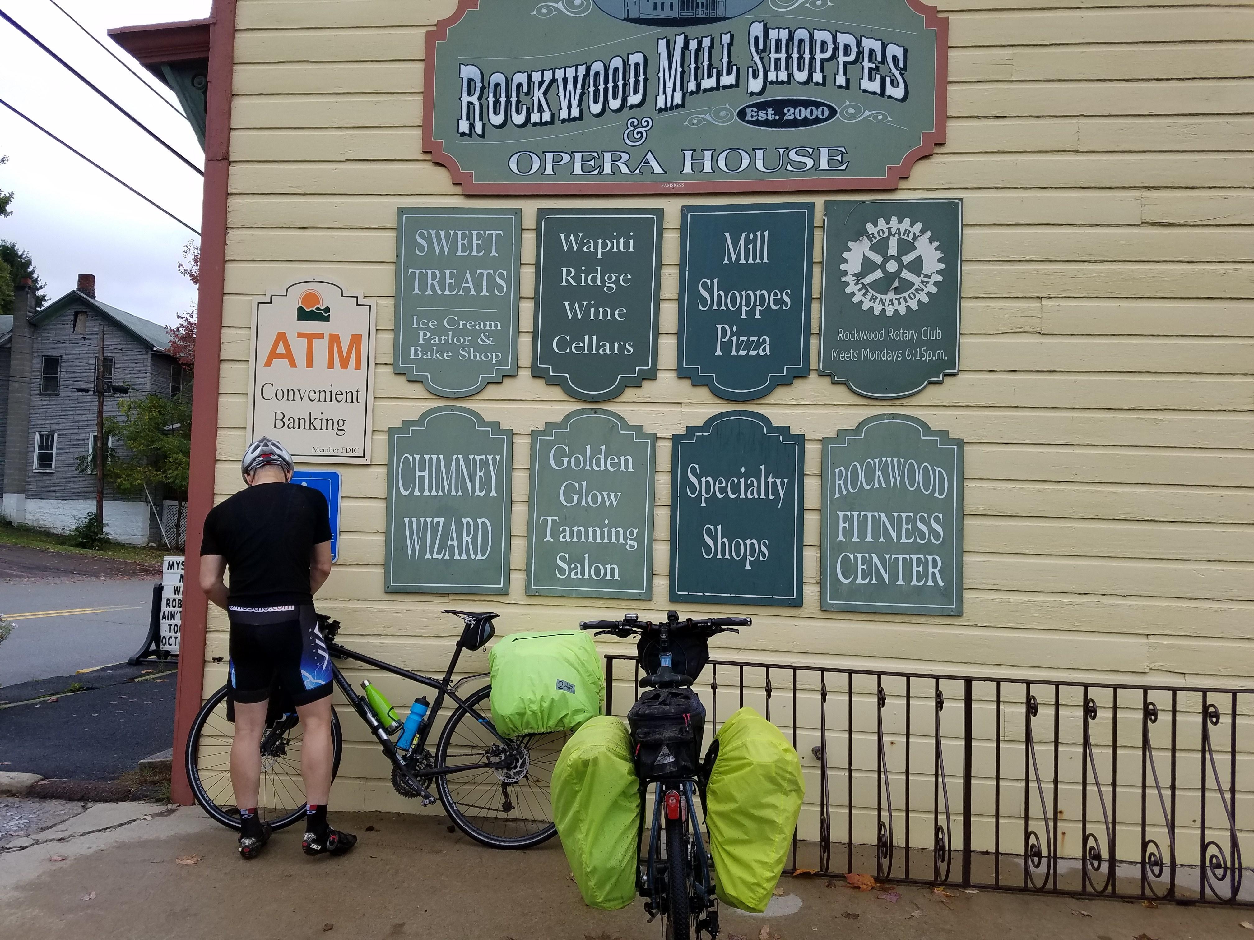 Two Wheel Gear - Garment Pannier Rain Cover - Bike Tour