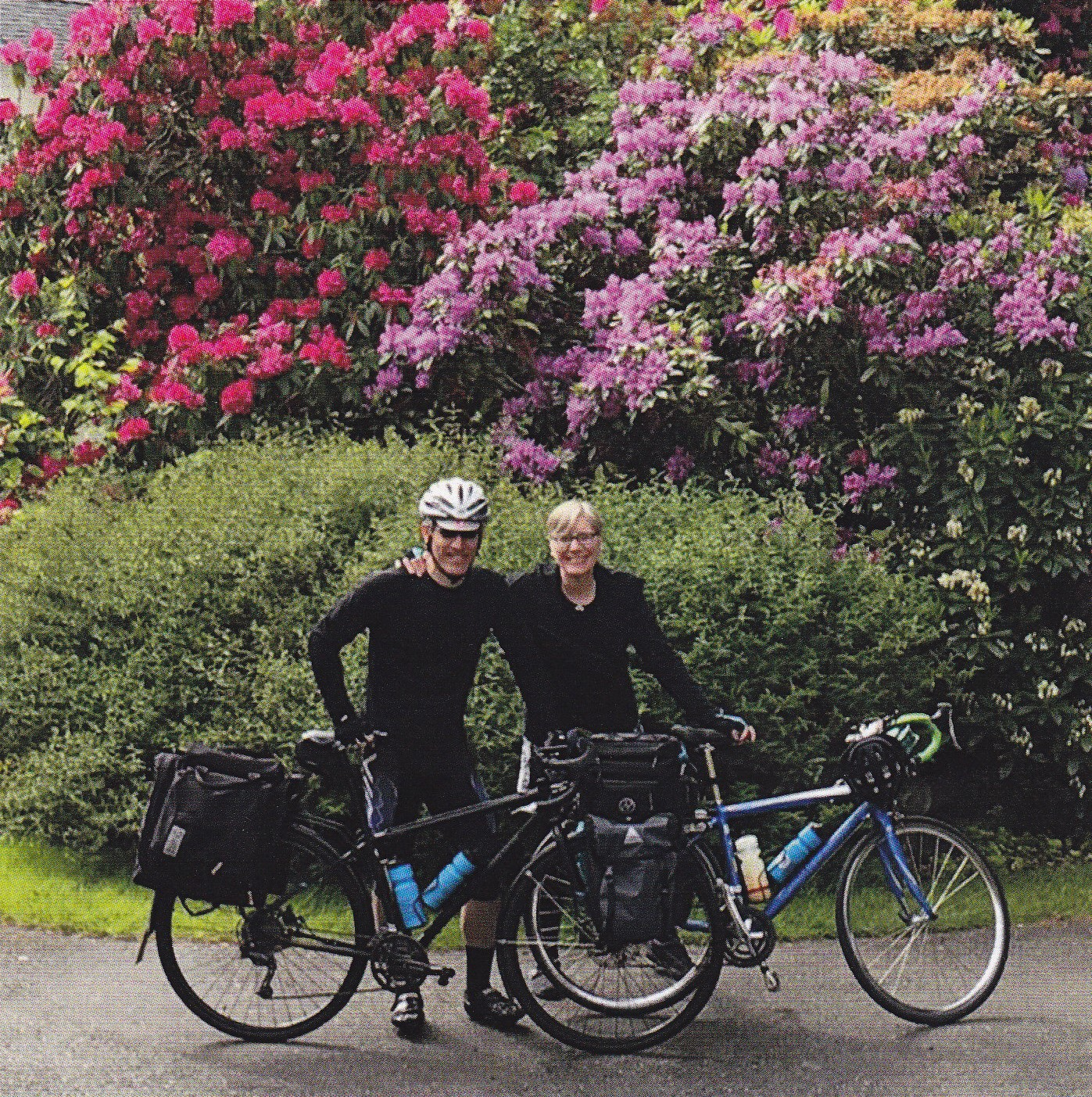 Two Wheel Gear - Garment Pannier - Bike Tour
