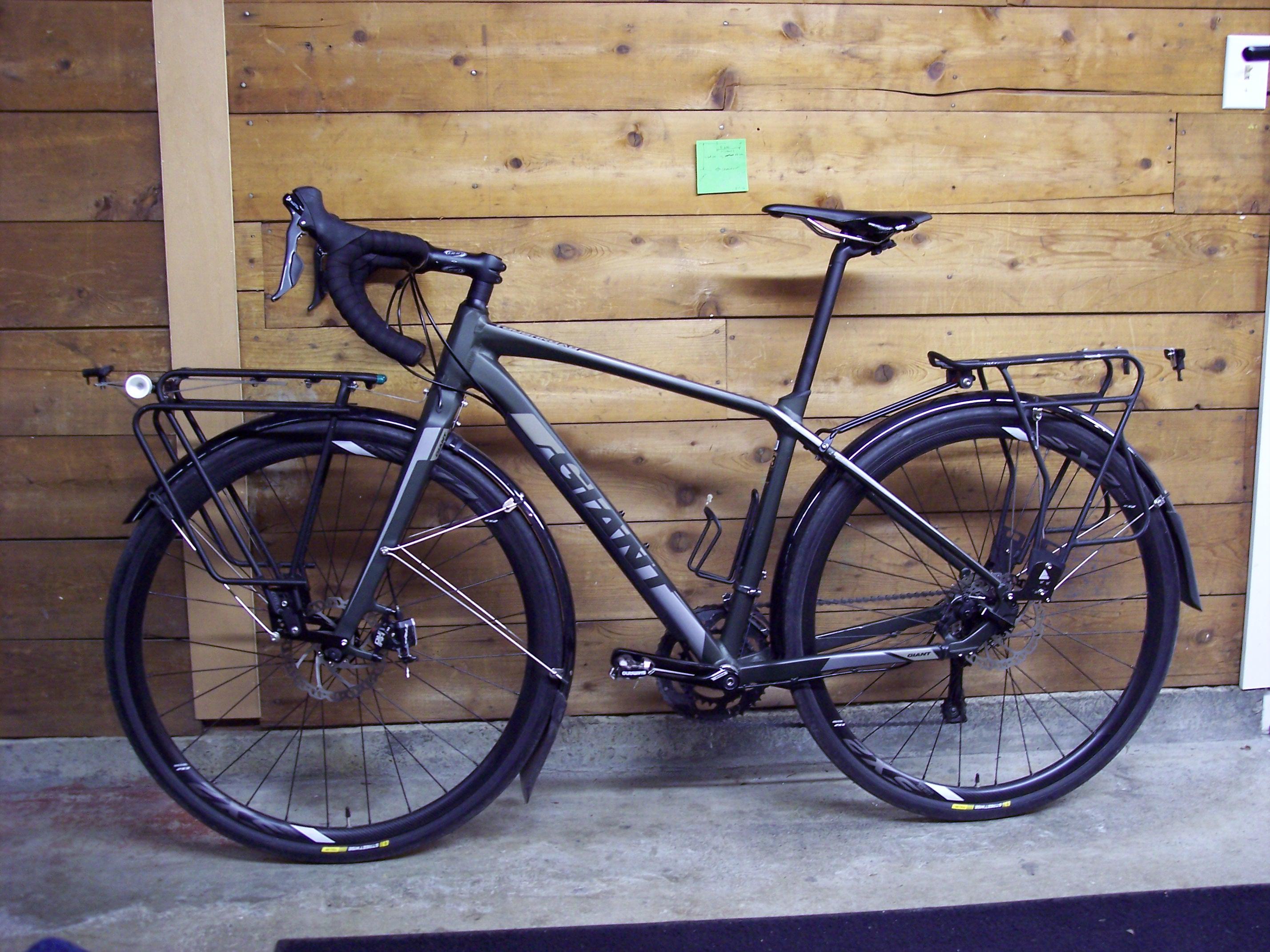 Two Wheel Gear - Giant - Commuter Bike